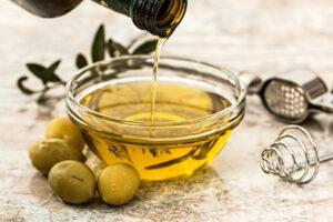 Olivenolie, olie med oliven, guide til madolie, oversigt over madolier, olier til mad, olier til madlavning