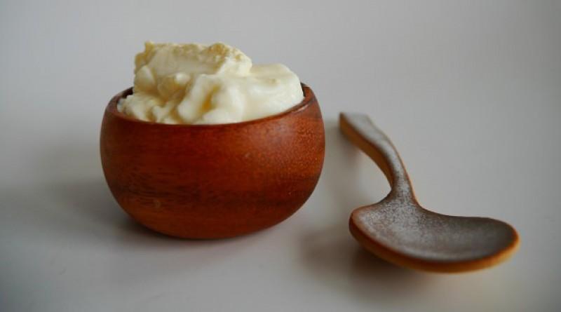 hjemmelavet youhurt, naturlig yoghurt, yoghurt uden tilsætningsstoffer, sund yoghurt, gør det selv yoghurt, naturlig yoghurt smag, naturligt liv, lav selv din egen yoghurt, sådan laver du yoghurt, naturlig opskrift på yoghurt, nem og naturlig opskrift på yoghurt, hjemmelavet yoghurt til børn, naturlig yoghurt til børn, naturlig børne yoghurt, naturlige opskrifter, husmor råd, simpel opskrift på yoghurt, hurtig opskrift på yoghurt