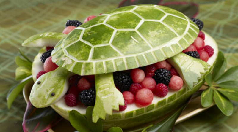 vandmelon dyr, udskåret vandmelon, dyr skåret ud i vandmelon, dyr i vandmelon, vandmelon udskåret dyr
